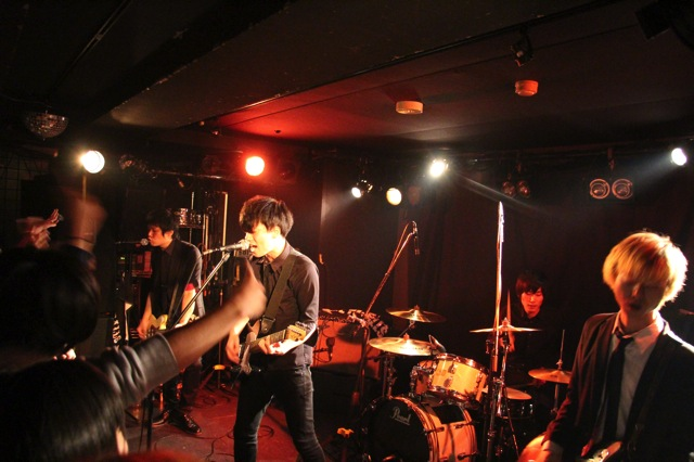 The pinballs live at shinjuku motion dec 20 2013 01