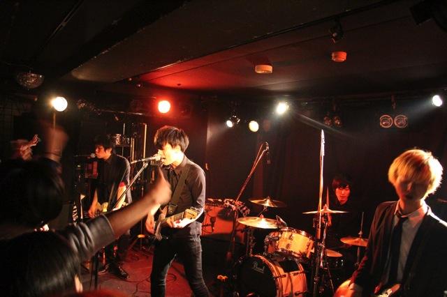 The pinballs live at shinjuku motion dec 20 2013 01