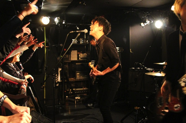 The pinballs live at shinjuku motion dec 20 2013 03