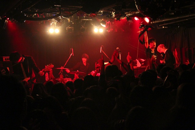 Thepinballs live photo 20140125 092