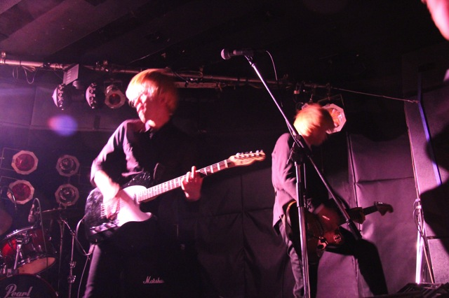 The pinballs live at shimokitazawa daisy bar april 19th 2014 05