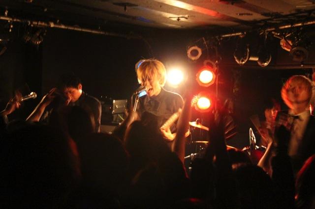 The pinballs live at shimokitazawa daisy bar april 19th 2014 09