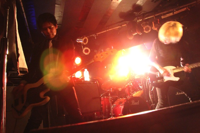 The pinballs live at shimokitazawa daisy bar april 19th 2014 14