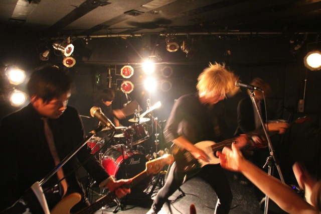 The pinballs live at shimokitazawa daisy bar april 19th 2014 16