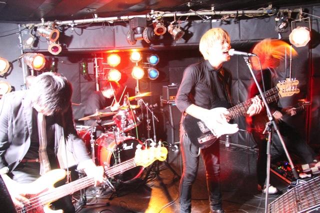 The pinballs live at shimokitazawa daisy bar april 19th 2014 18