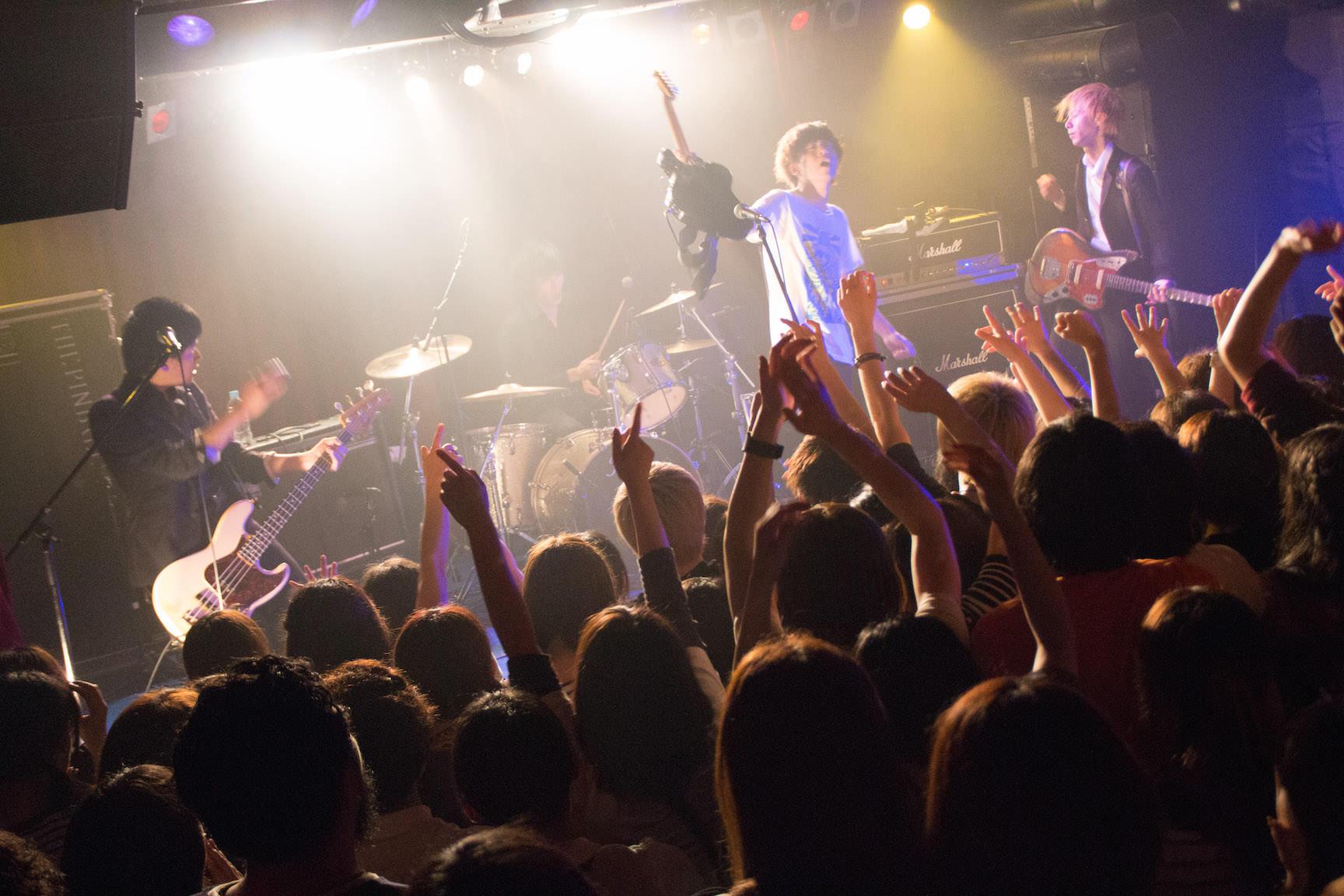 The pinballs live at shibuya star lounge may 2nd 2015 23
