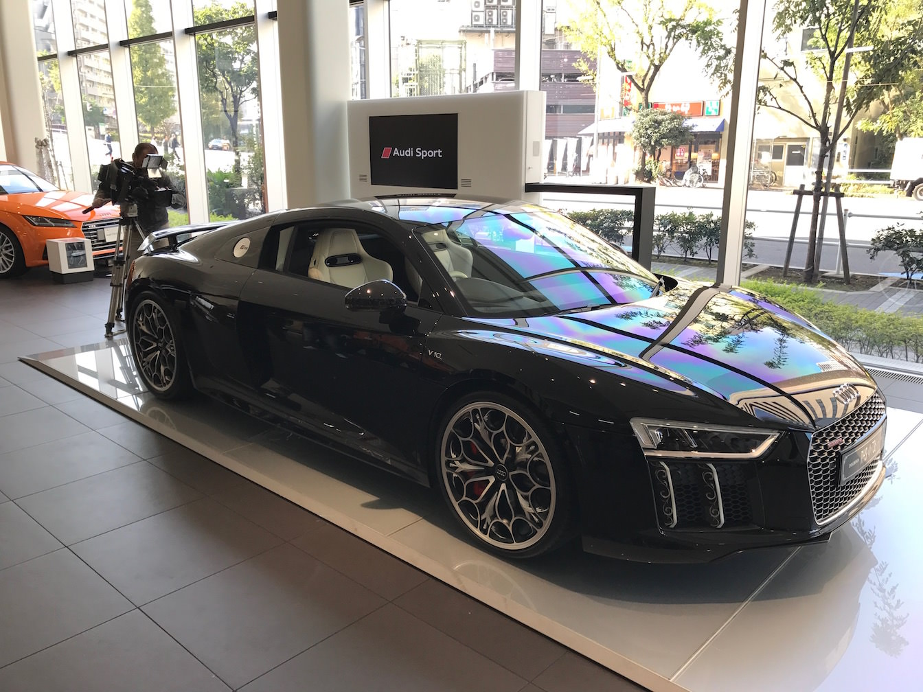 Kingsglaive final fantasy xv audi r8 demonstration press report 3